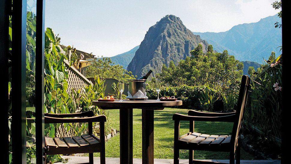 Bedroom-Machu-Picchu View