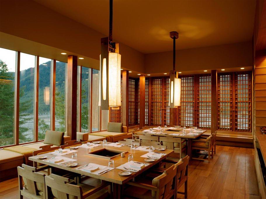 Amankora-gangtey-dining-room