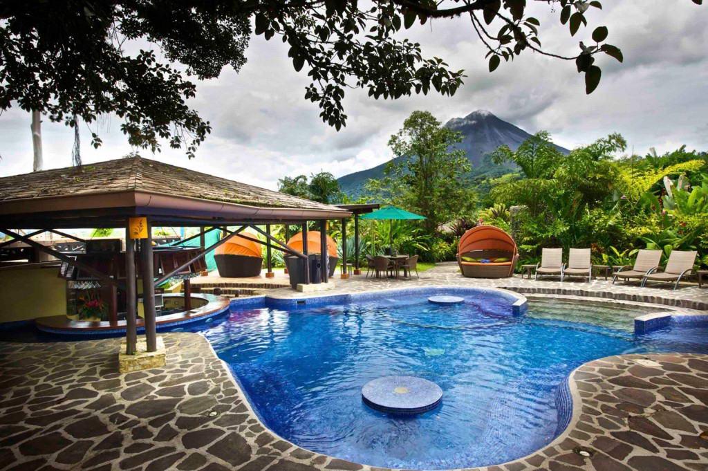La Fortuna pool