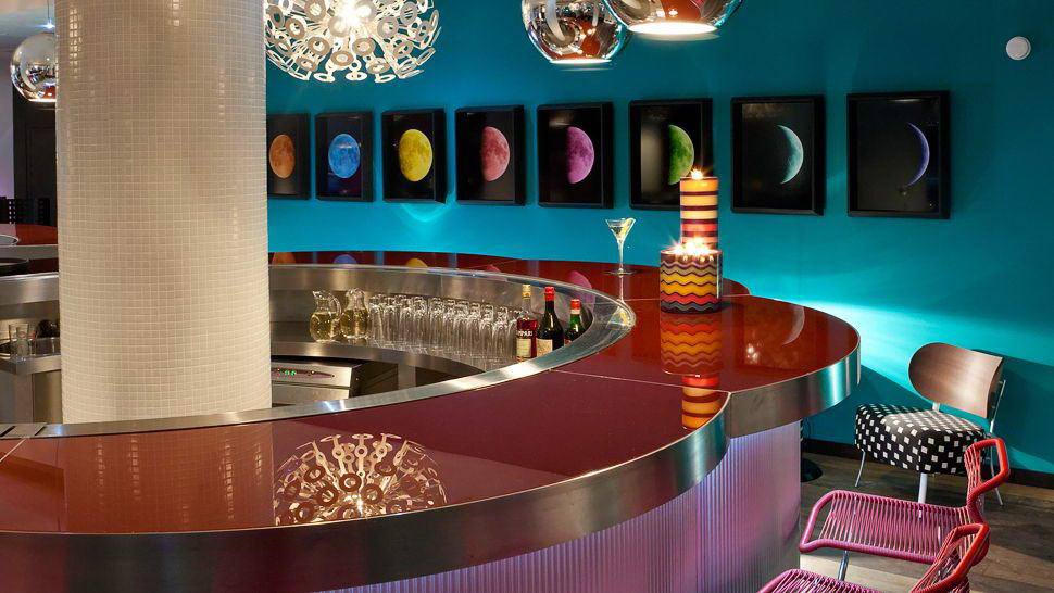 Moschino Maison-Bar