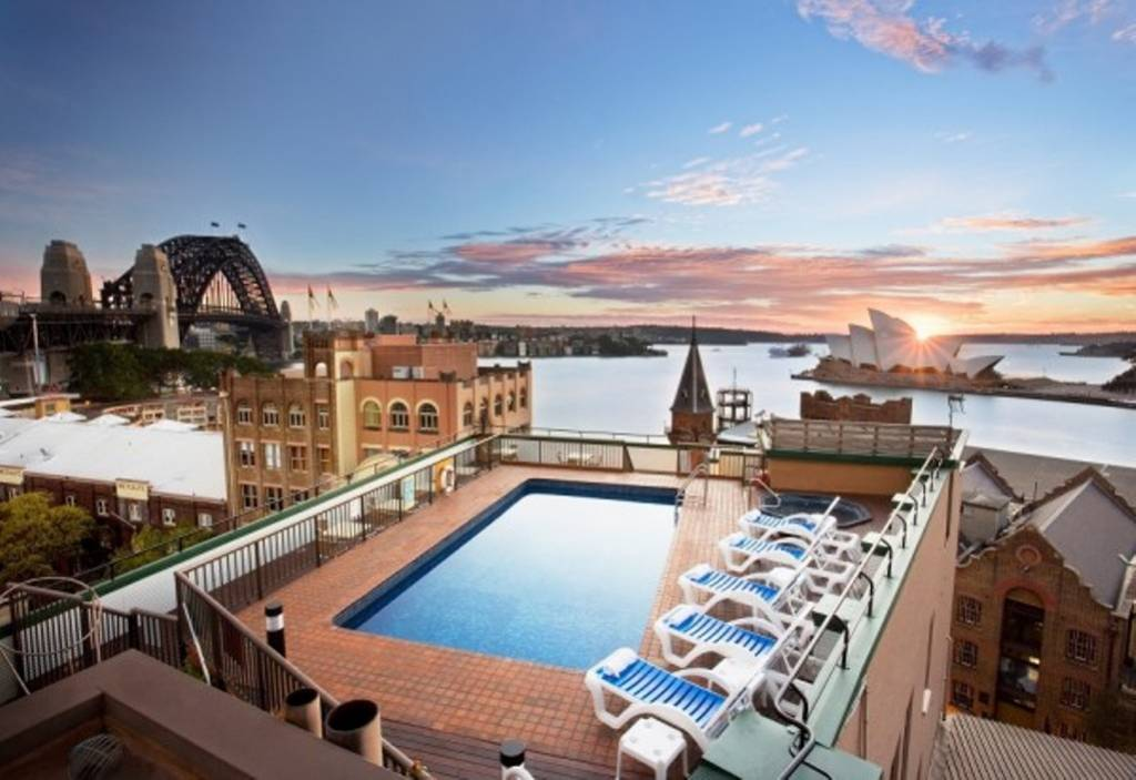 Hotels with amazing rooftop pools eccentric hotels for Amazing hotels
