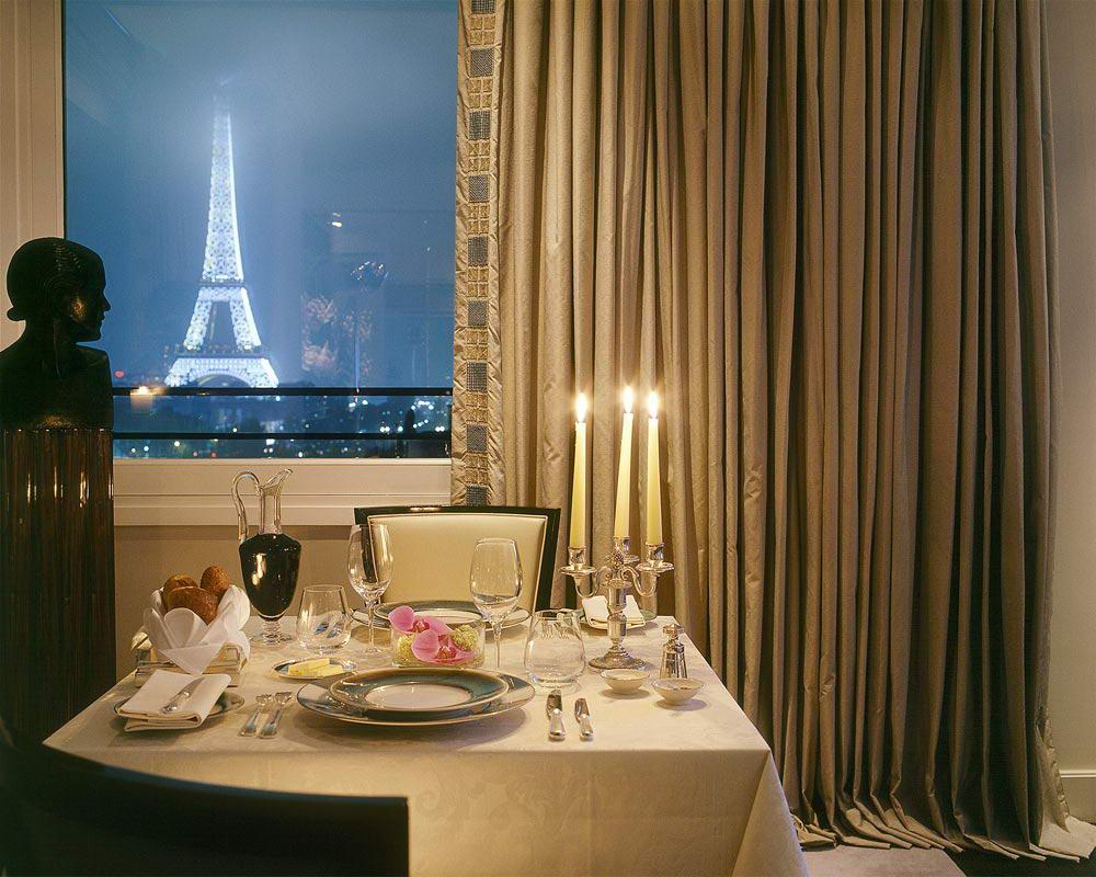 Royal Suite At The Hôtel Plaza Athénée Paris