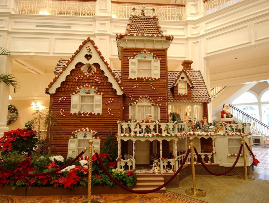 Hotels with best christmas decoration eccentric hotels for Best christmas decorations