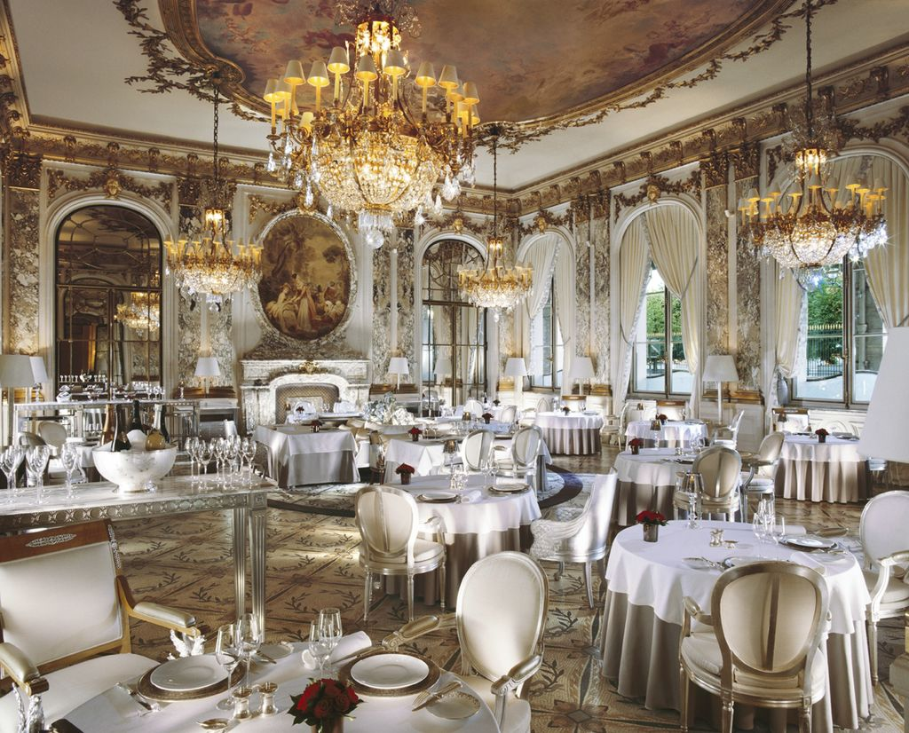 Dining with elegance the most beautiful hotel resturants for Paris restaurant
