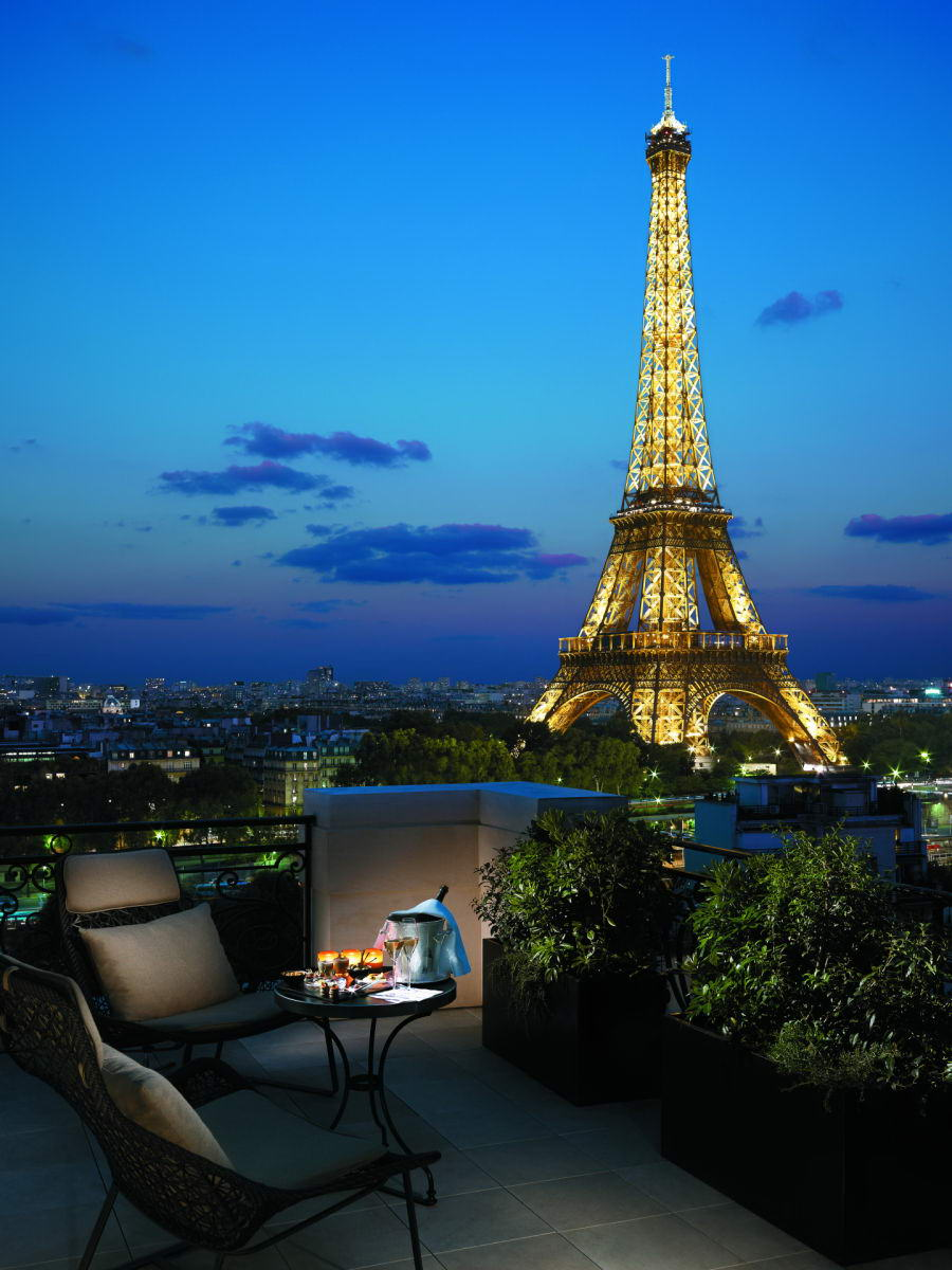 Hotels with most beautiful private terraces eccentric hotels for Hotels by the eiffel tower