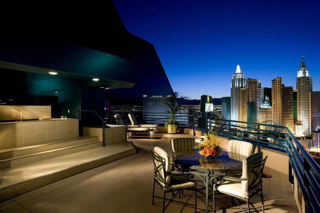 Hotels with most beautiful private terraces eccentric hotels for Hotels on the terrace