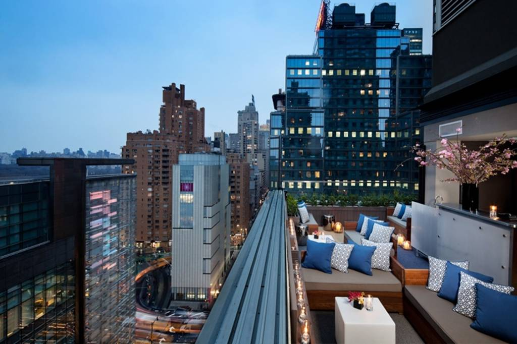 The ultimate way of parting exceptional rooftop hotel bars for Exceptional hotels