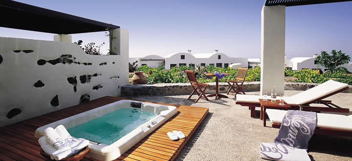 Vedema-private-residences-Santorini-Greece_2